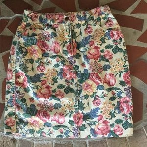 Gotcha Covered Floral Skirt